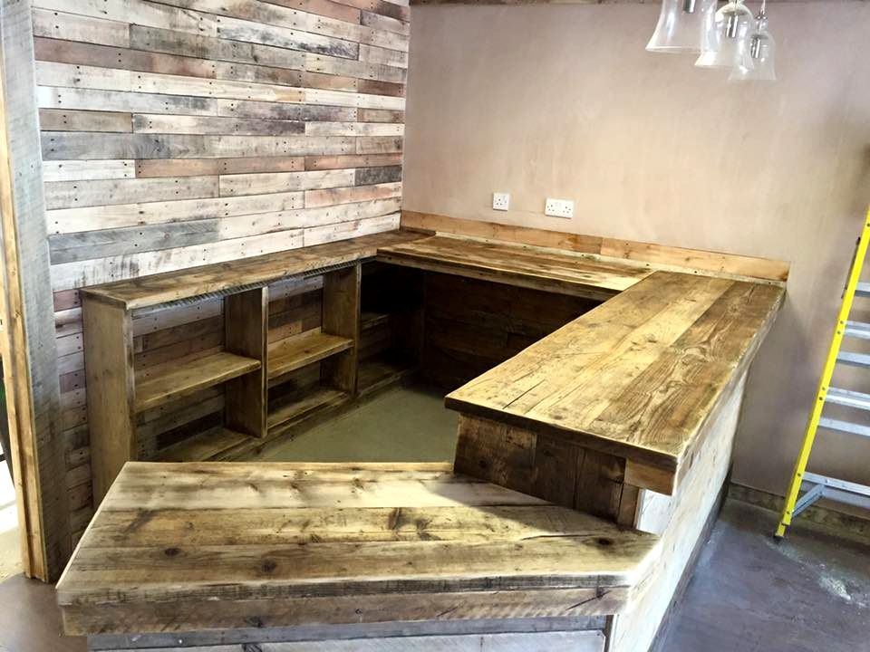 30 Best Picket Pallet Bar DIY Ideas for Your Home | White cafe, Man ...