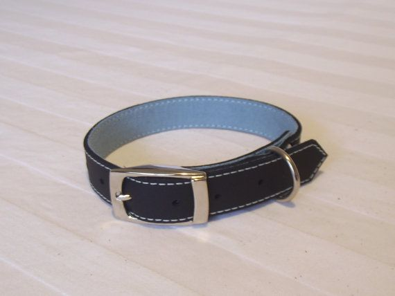 Hand Made Leather Collar for your Dog by ClassicFibre on Etsy, $19.00
