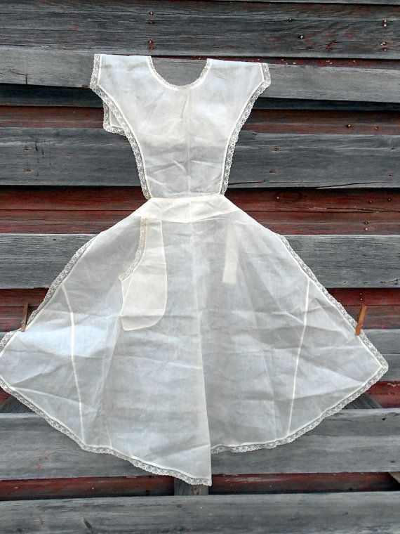 Antique Victorian Apron white with Shell Buttons gauze delightful apron pattern with full skirt