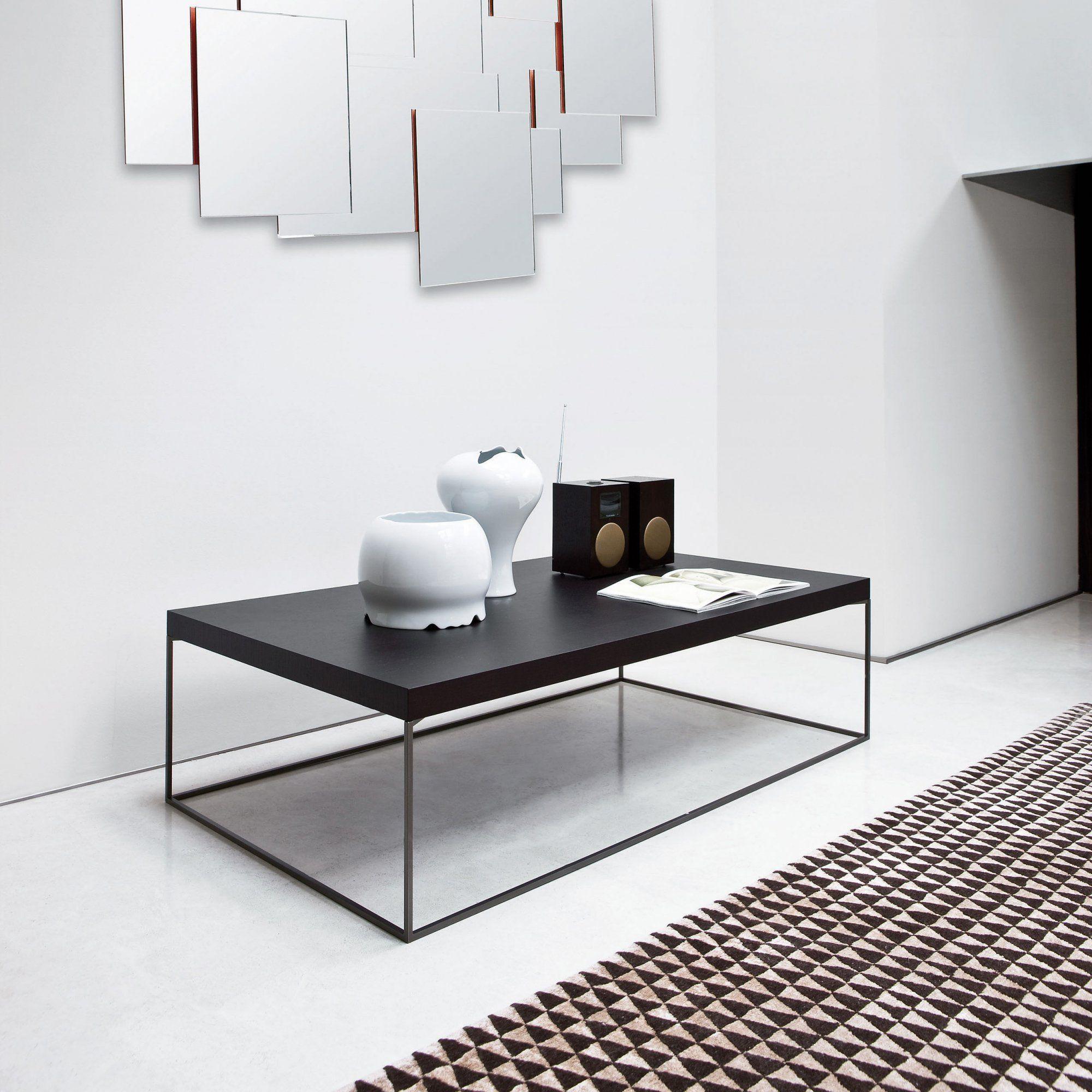 une table basse rectangulaire en noyer noir avec pieds droits trs design et sobre pour - Pied Rectangulaire Pour Table