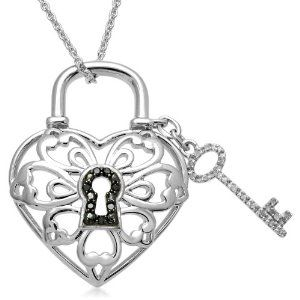"""Sterling Silver Key Lock Pendant Necklace (1/10 cttw, I-J Color, I3 Clarity), 18"""""""