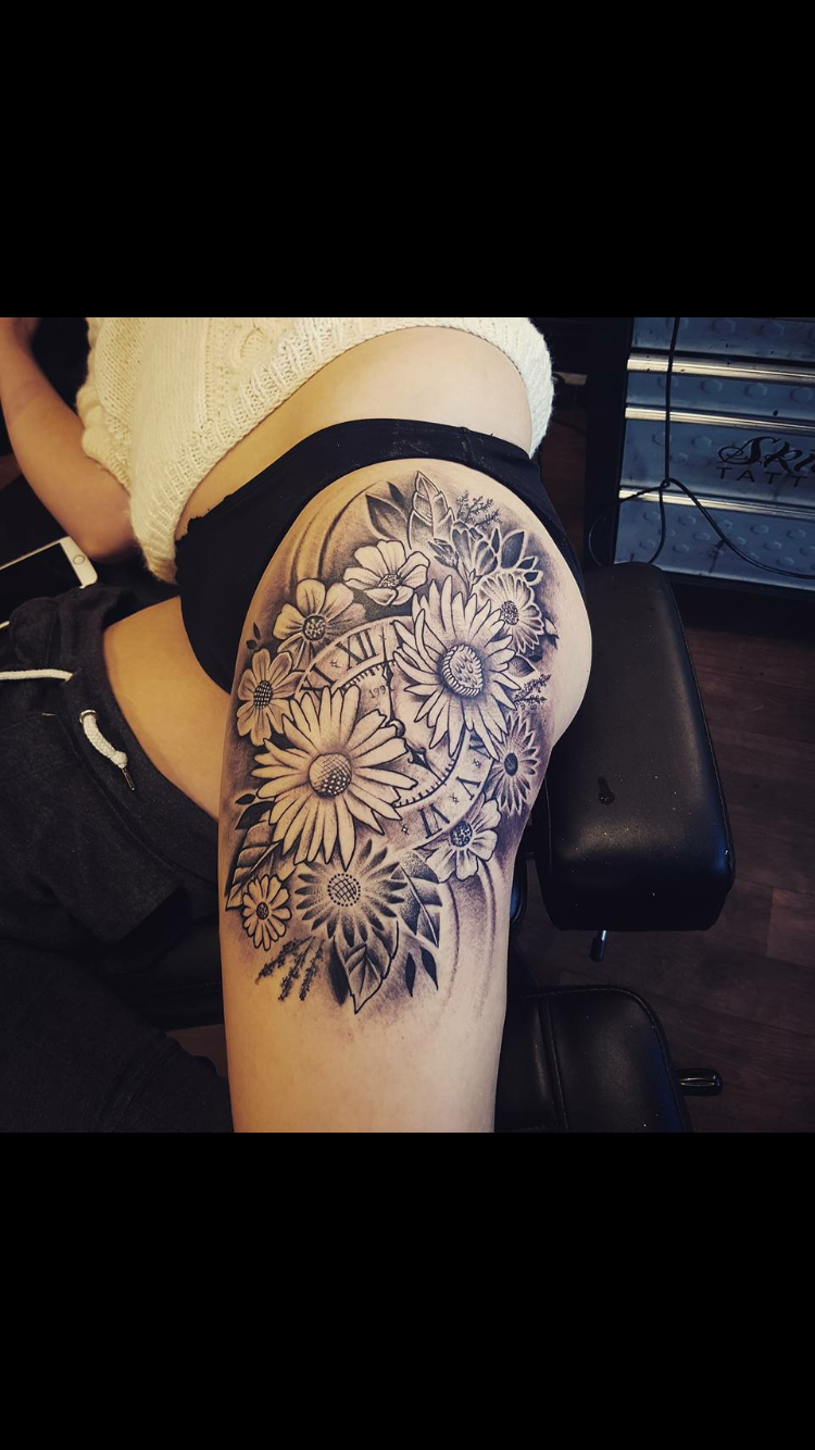 Wildflower and pocket watch thigh tattoo ❤️ #blackandwhite #flowers #thigh #clock