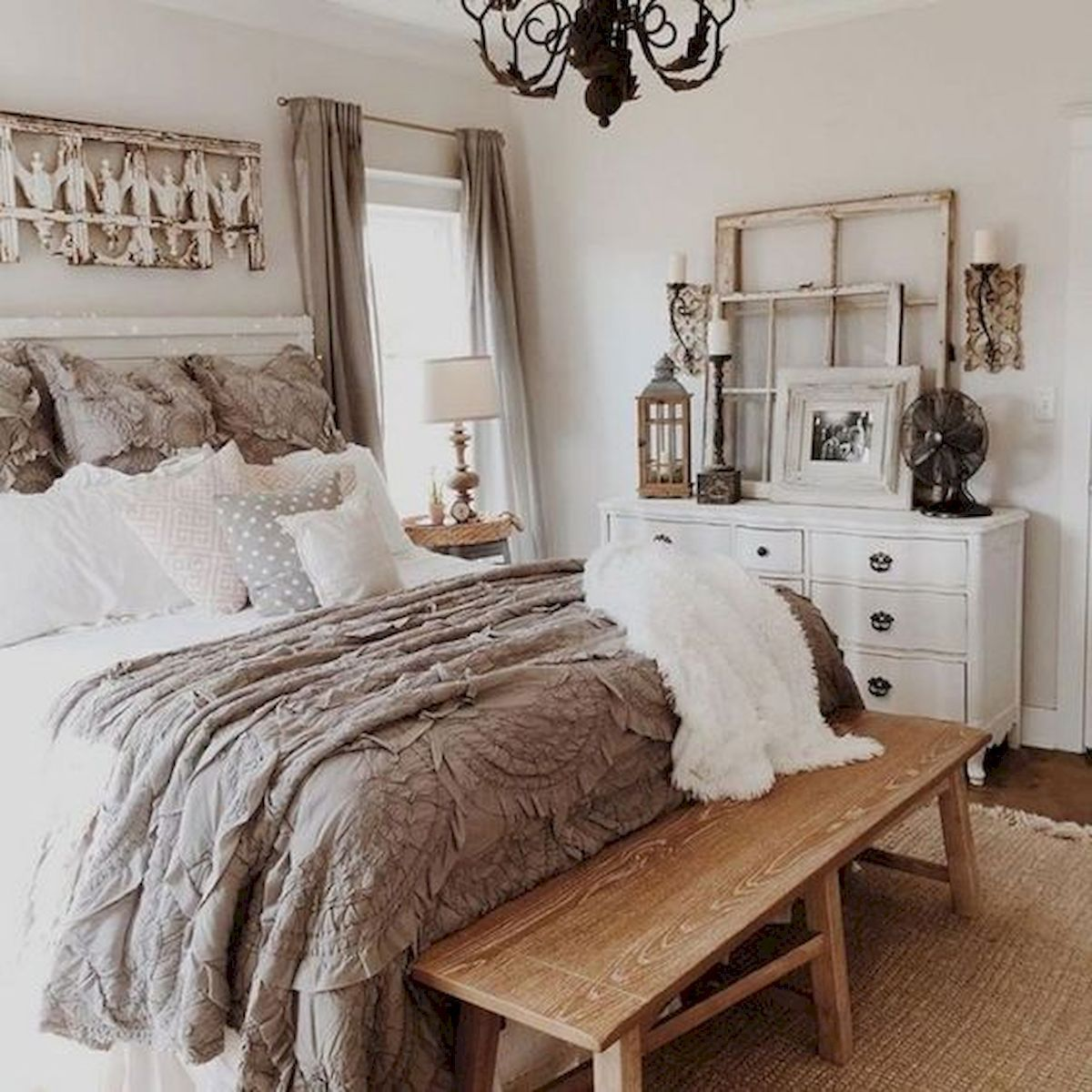 50 Awesome Farmhouse Bedroom Decor Ideas And Remodel 13 Farmhouse Style Master Bedroom Home Decor Bedroom Master Bedrooms Decor