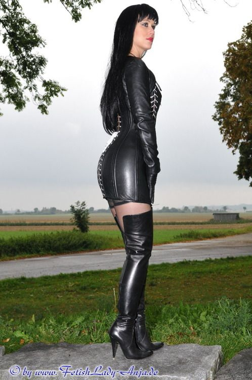 Tumblr | Anziehsachen | Black thigh boots, Leather Pants ...