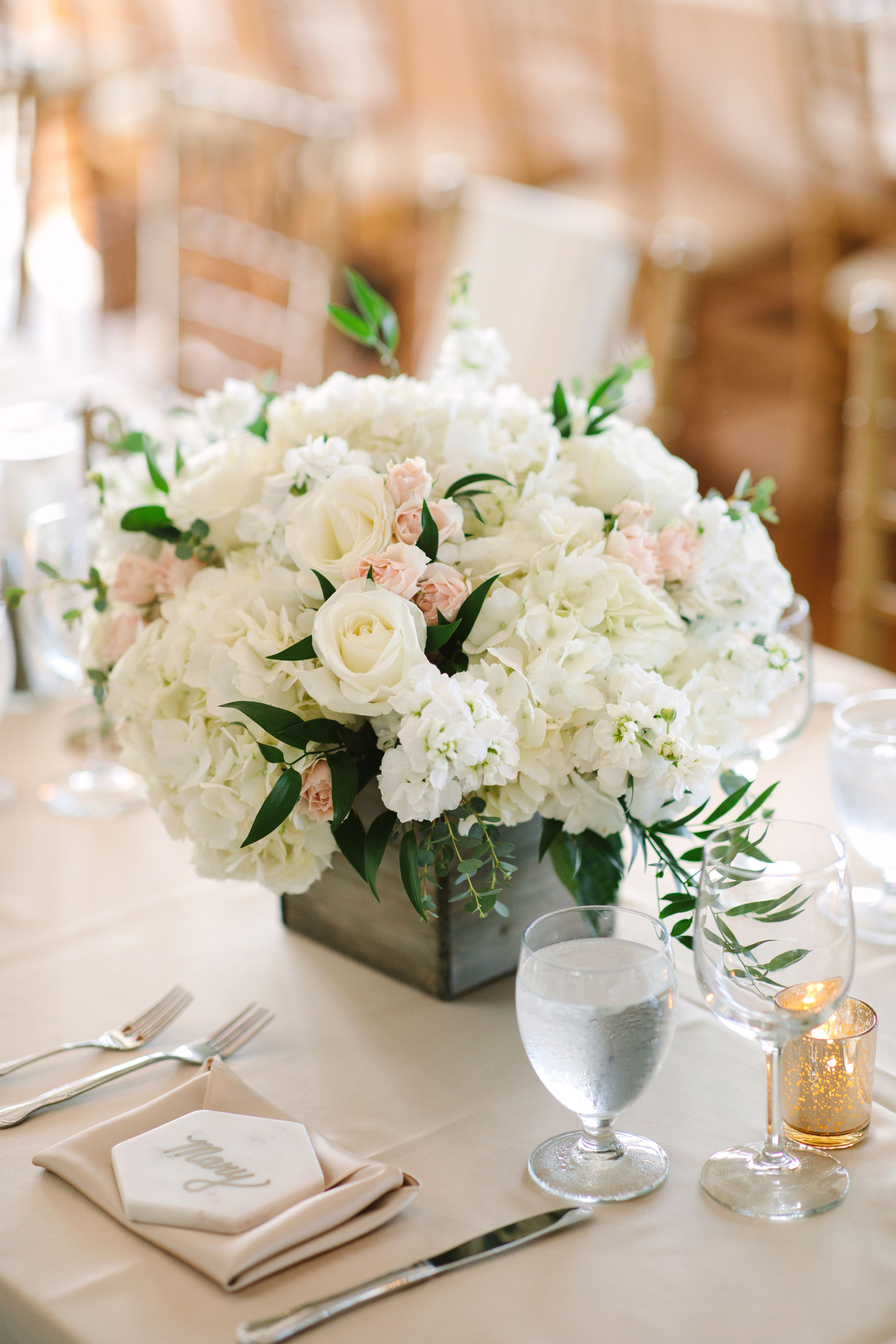 stunning table centerpieces paired with a rustic vase was a rh pinterest com