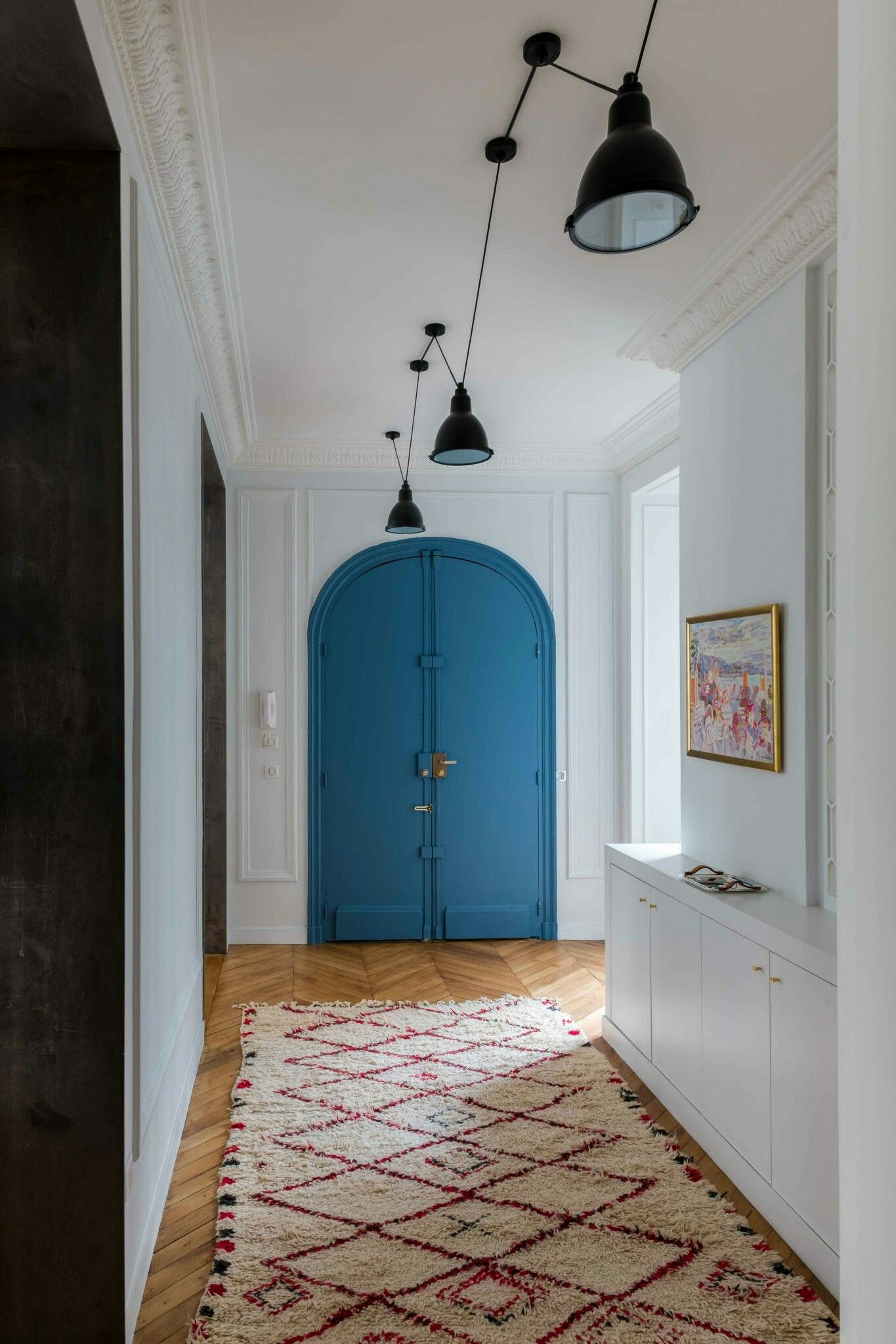 pour les lumi res et la couleur deco couloir. Black Bedroom Furniture Sets. Home Design Ideas