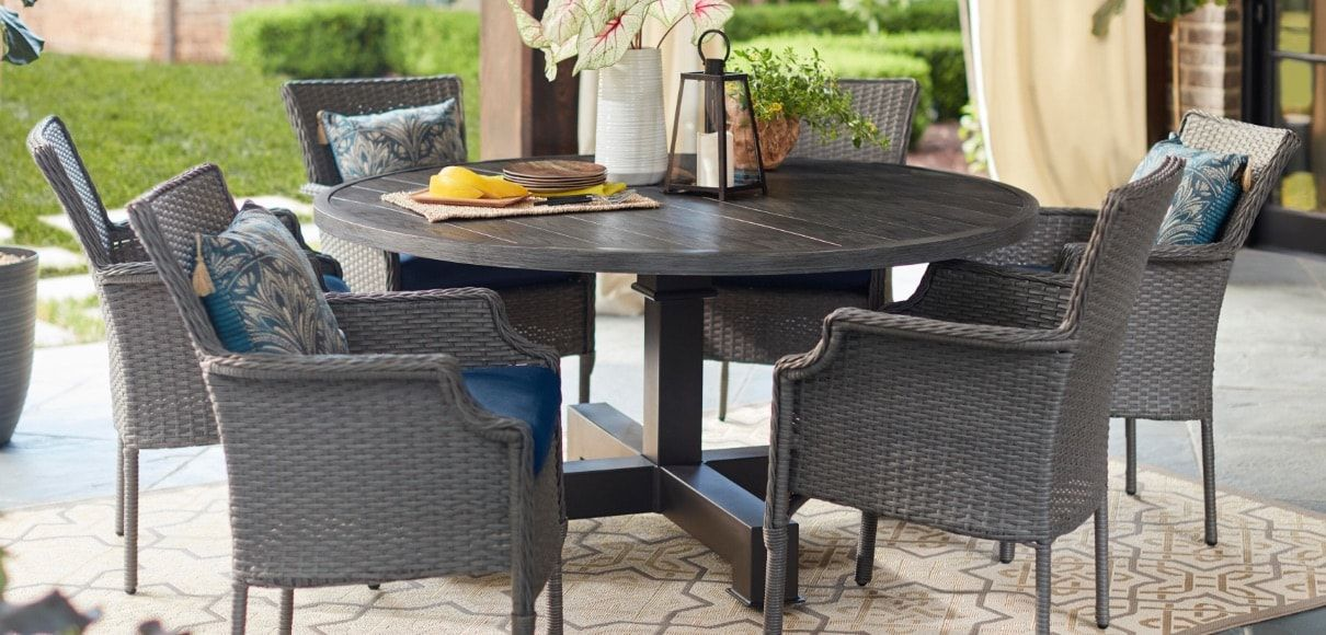 Small Patio Dining Table Set in 2020   Outdoor patio ...