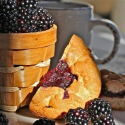 today's the day of blackberry! Discover some recipes with this wild fruit like Blackberry Sweet Dough Pie