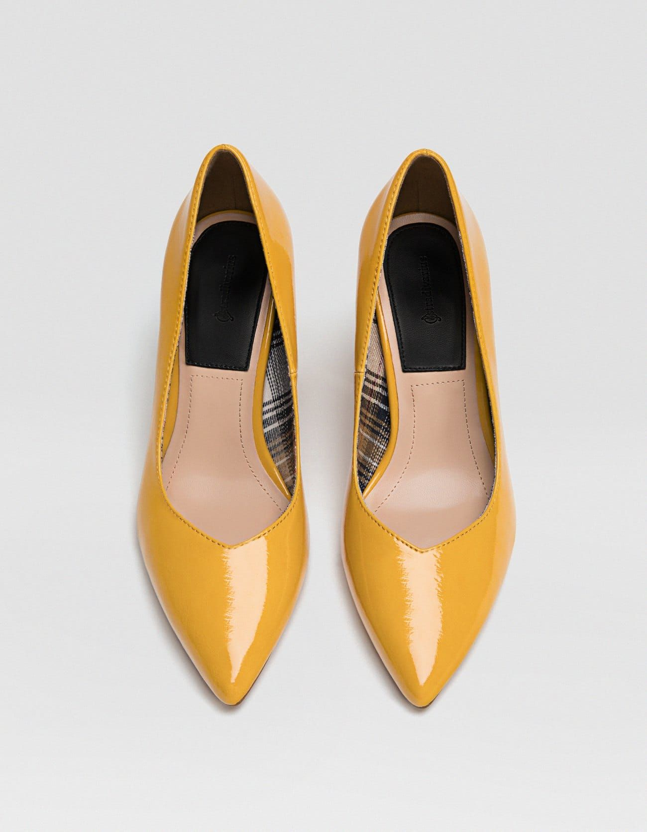 diseño innovador 9fd31 95562 Salón tacón ancho amarillo - Zapatos de tacón | Stradivarius ...