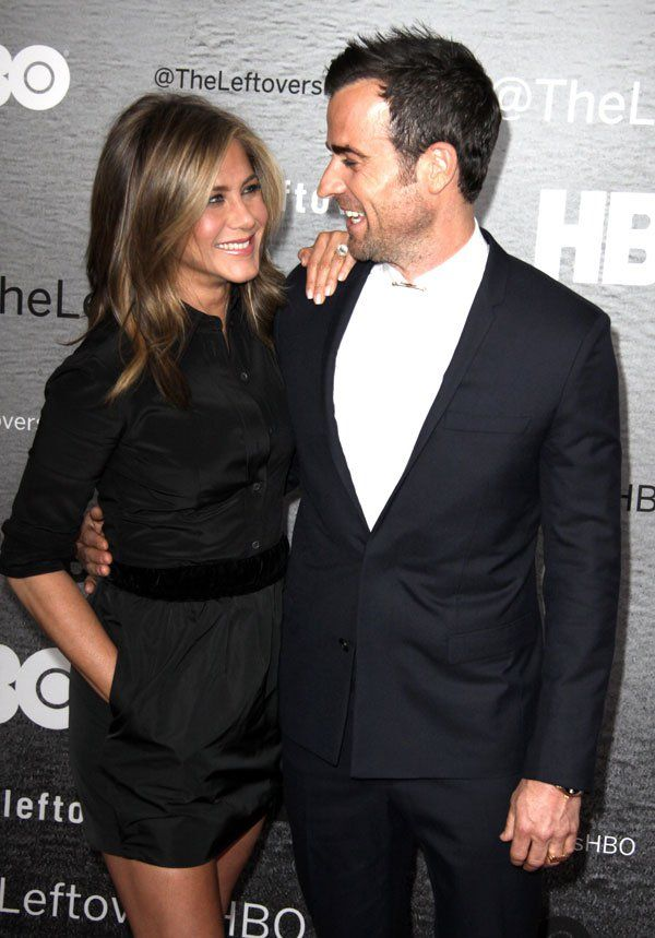 Find Out Why Jennifer Aniston And Justin Theroux Are Delaying Their Wedding Will They Eve Jennifer Aniston Jen Aniston Style Justin Theroux Jennifer Aniston
