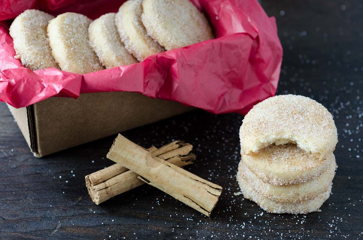 These vegan hojarascas, also known as polvorones, are