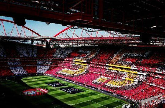 (8) Hashtag #Benfica2016 no Twitter