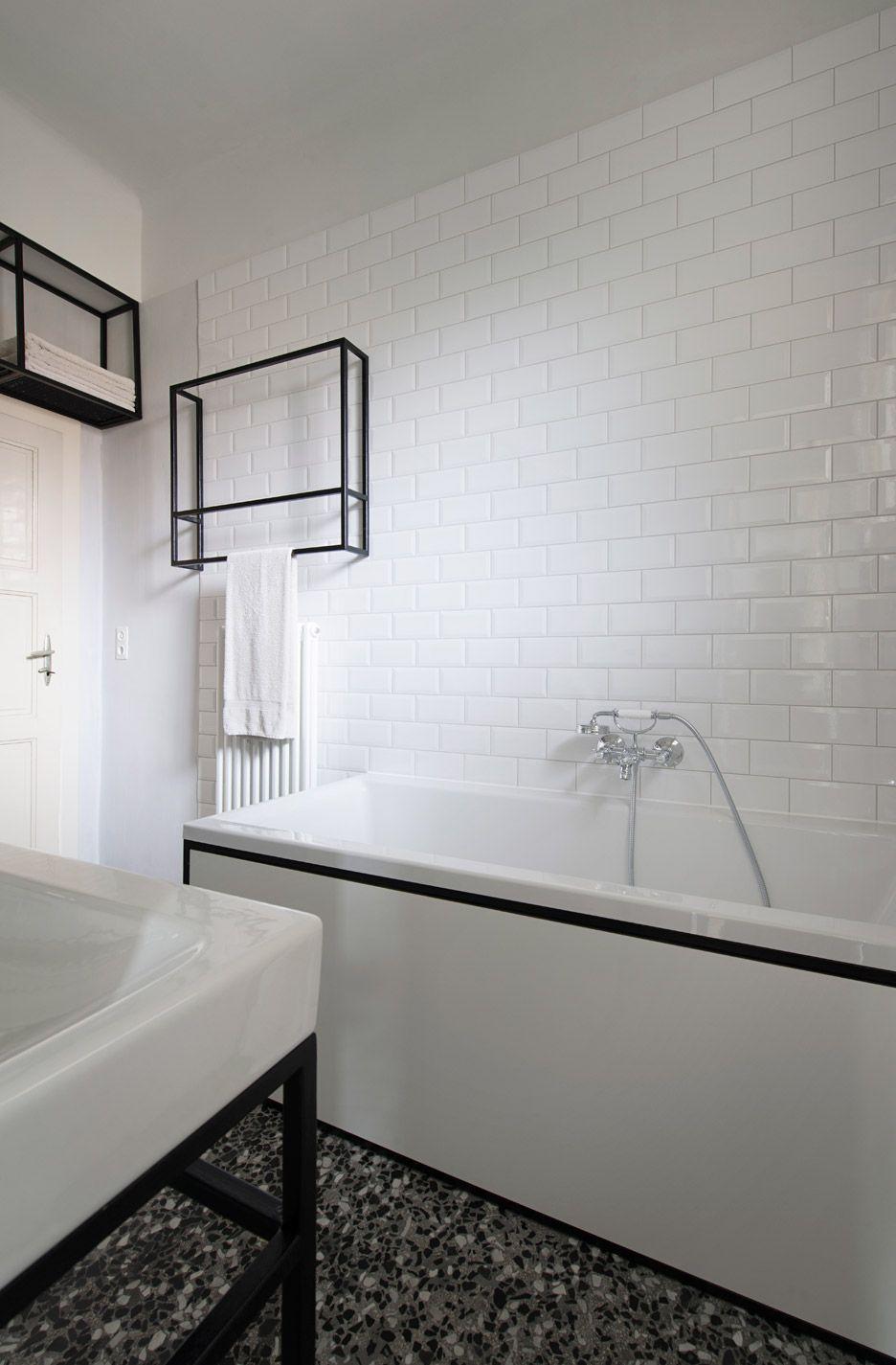 IFUB uncovers parquet flooring in 1930s Art-Deco apartment ...