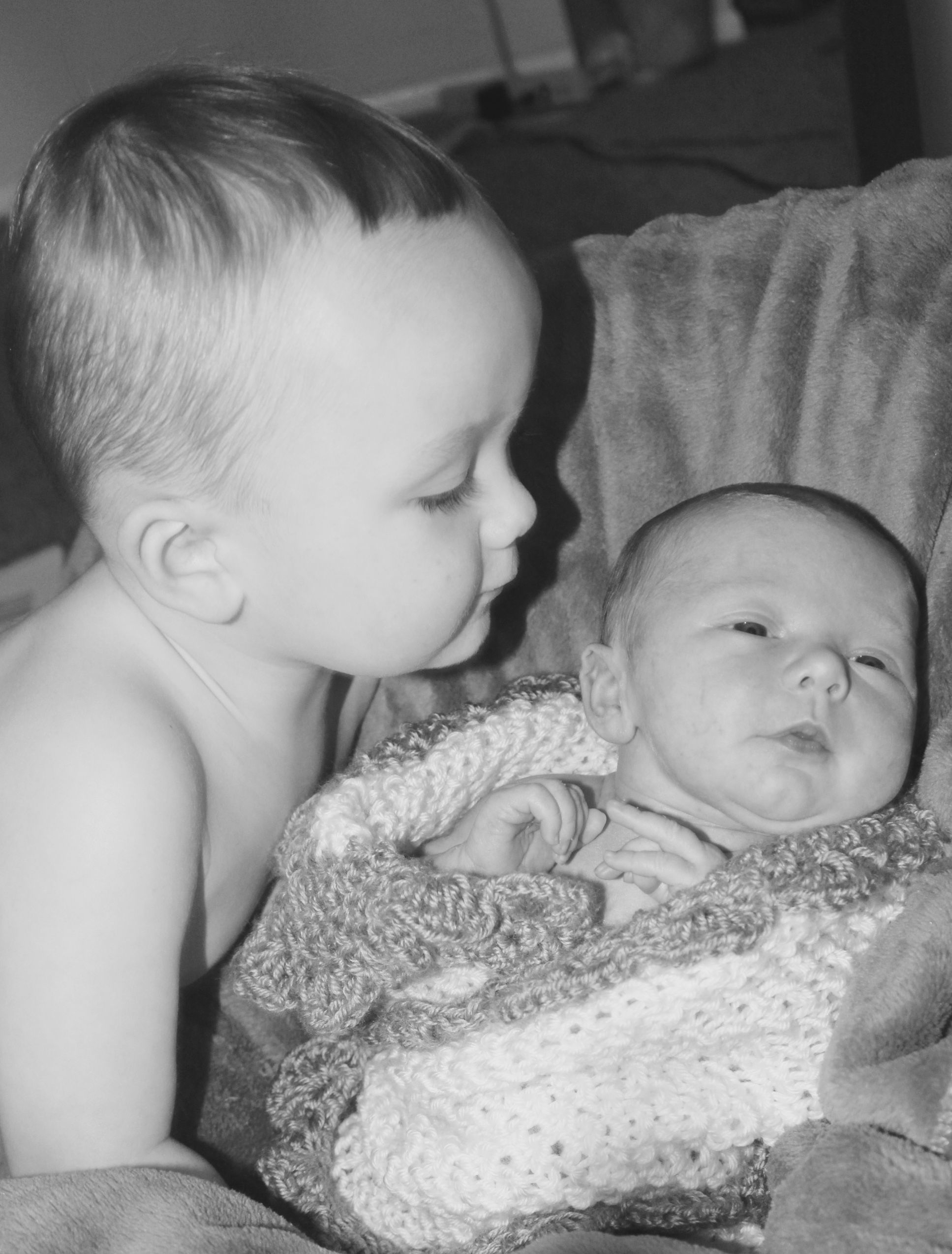 Ways To Avoid Sibling Jealousy With Each New Baby With