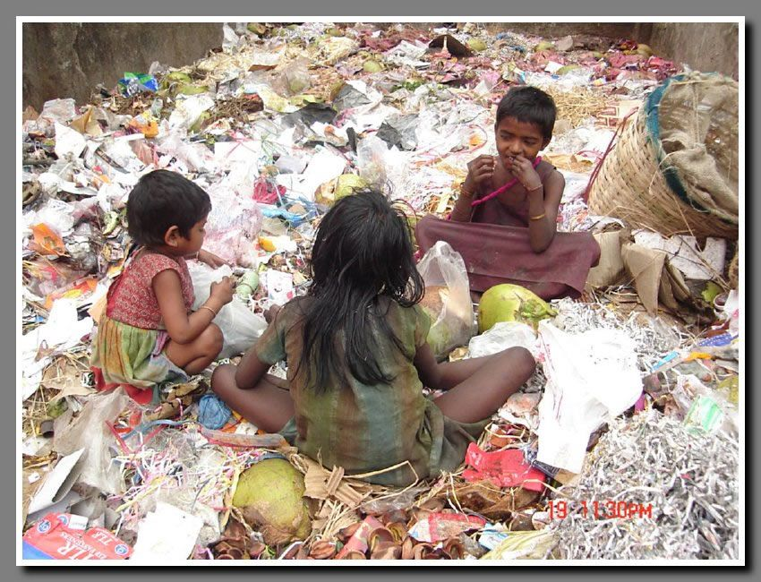 Pakistan - Child Labour Rag Pickers Need Protection - they go around city dumps and garbage looking for recyclable items