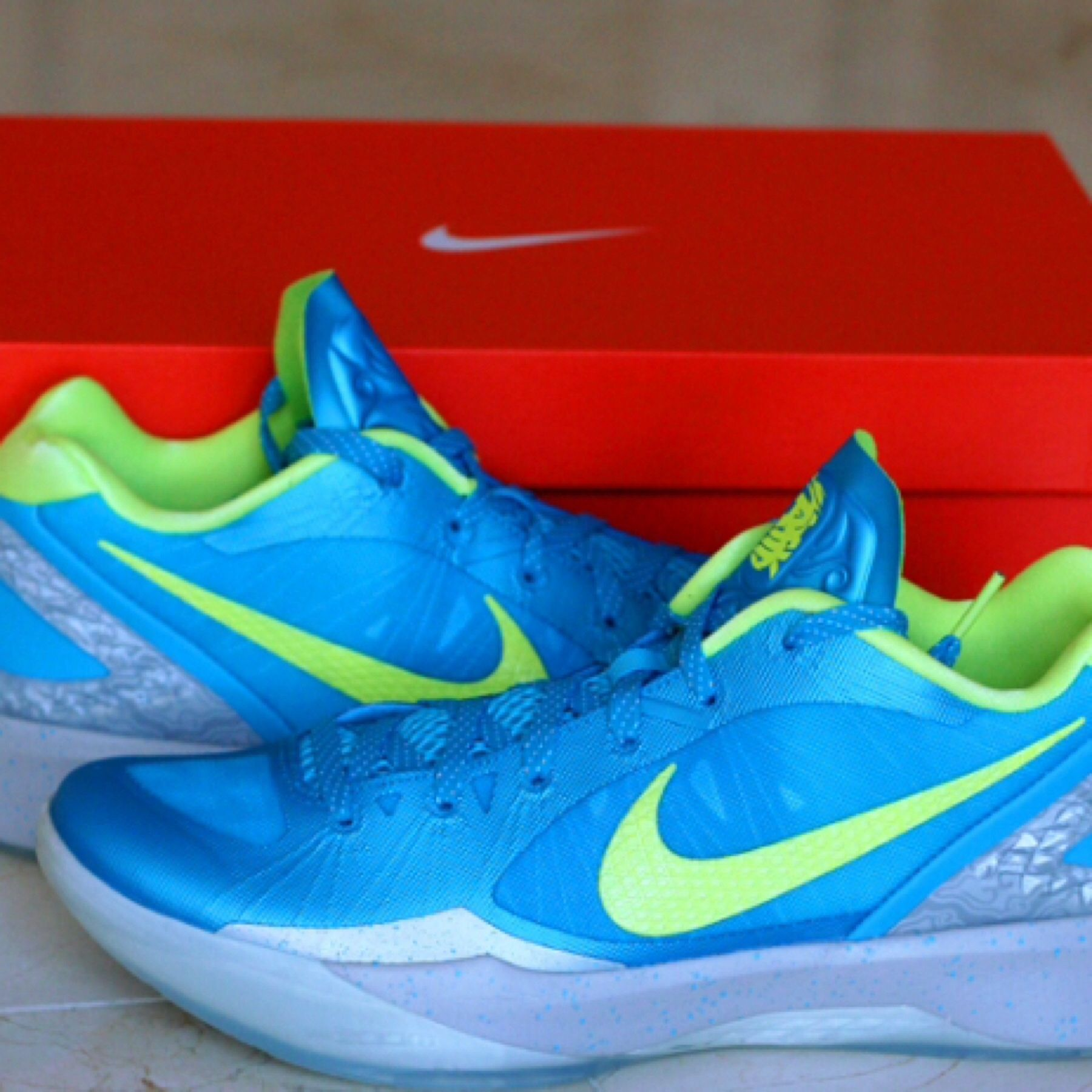 buy popular 7a5a1 d8fa8 ... discount code for nike hyperdunk low 2011 jeremy lin son of dragon  c1bab 654ba