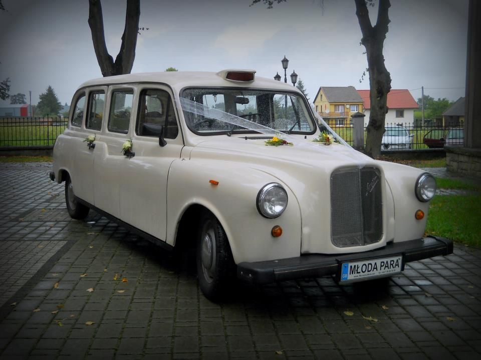 London Taxi  Dokładnie taki model zaparkuje pod Artefaktem w sobotę!