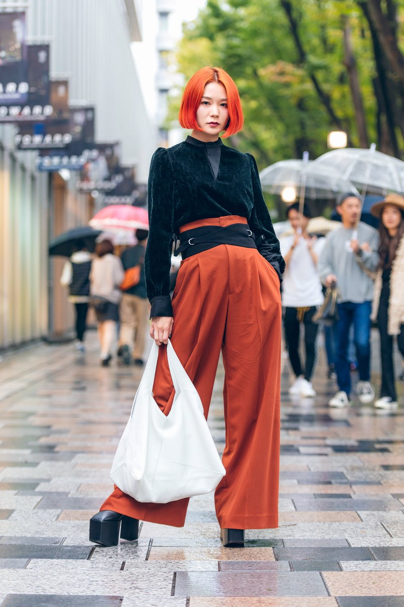 The Best Street Style From Tokyo Fashion Week Spring 2020 In 2020 Cool Street Fashion Chinese Fashion Street Tokyo Street Style