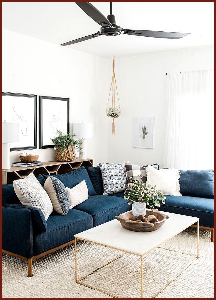 Betreten Sie ein Haus in Austin, das gemütliche Neutrale mit viel Kunst verbindet-  #Austin #Betreten #das #ein #gemütliche #Haus #Kunst #marbletable #marbletablelivingroom #mit #Neutrale #Sie #verbindet #viel-  Inspiration für einen Raum mit schönen Accessoires, Beleuchtung und Möbeln. Wenn Sie mehr von Nathalies Pins sehen möchten, folgen Sie mir und besuchen Sie mich auf www.ndecor.me Informationen zu Step Inside an Austin Home That Pairs Cozy Neutrals With Loads of Art Pin Sie können mein P #stueindretning