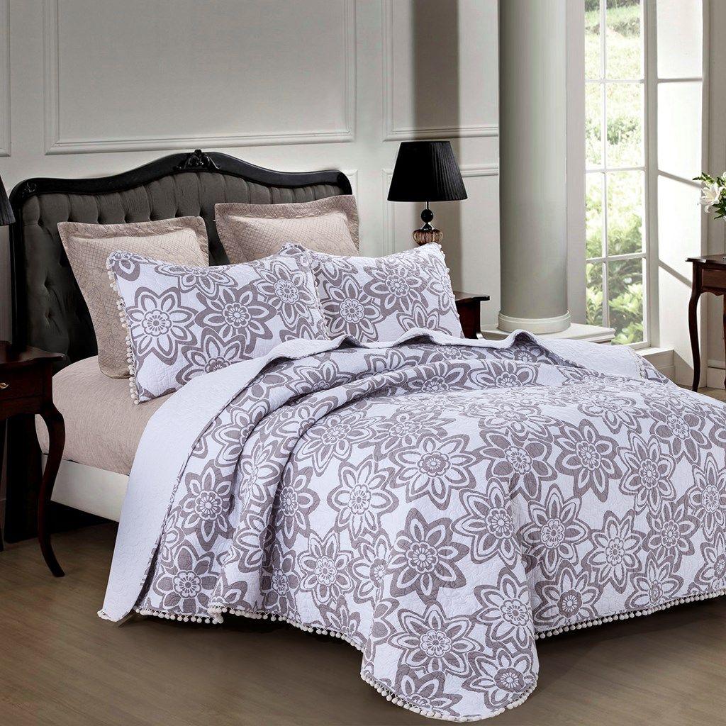 Buttercup Rose Wholecloth Quilt Queen Bed Decor Quilt Sets