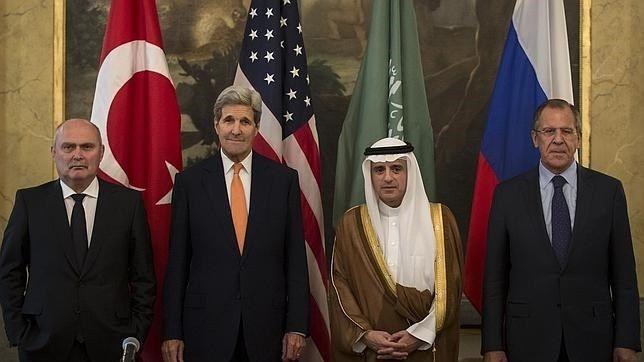 EE.UU., Rusia, Arabia Saudí y Turquía negocian el futuro de Siria