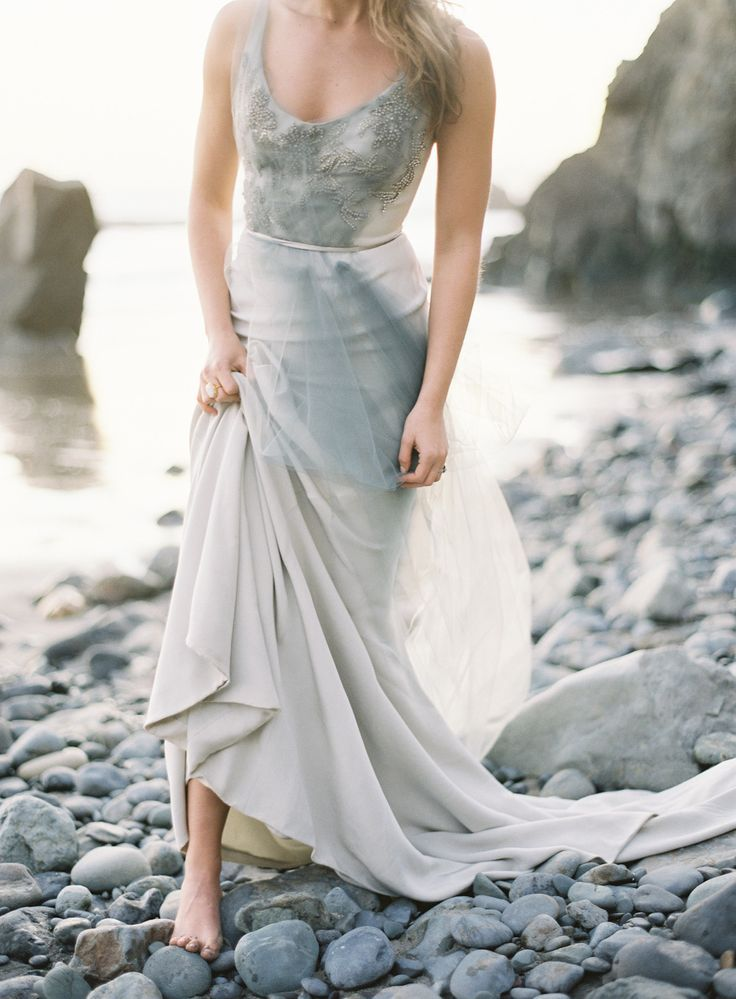 grey smoke wedding dress | itakeyou.co.uk
