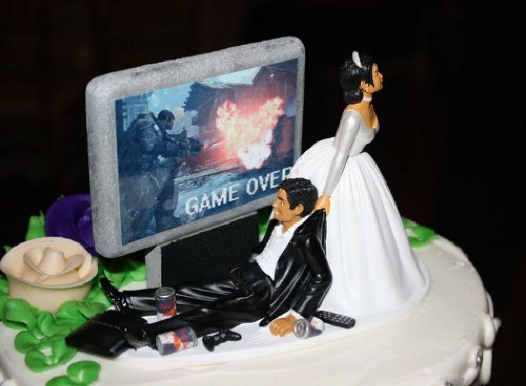 Funny Wedding Cake Toppers Game OverInterclodesigns For Wedding - Funny Wedding Cakes Images