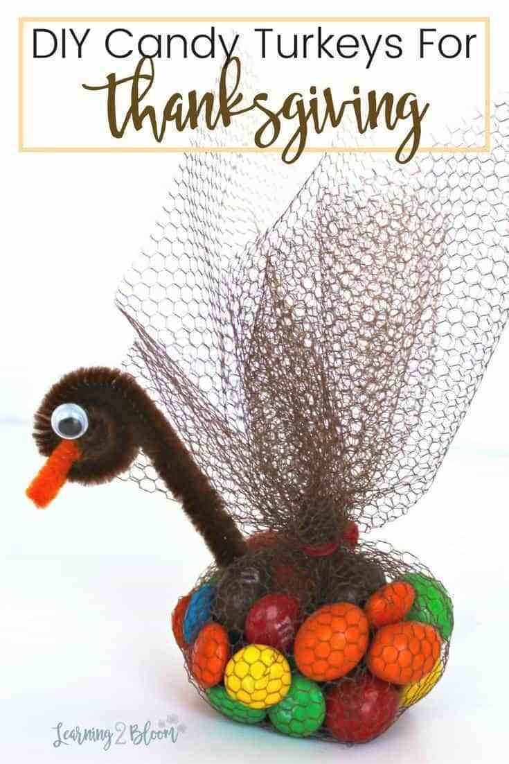 DIY Thanksgiving turkey candy table topper bags are the perfect no-bake idea to add to any holiday event. Perfect favors for family, friends, neighbors, students, etc. #Thanksgivingtreats #Thanksgivingtabletopper #Candyturkey #diyturkeytreat #turkeybag #homemadeturkeytreat #thanksgivingfavors