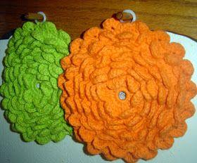 Sallygoodin: Crochet Today - Crochet Flower Potholders