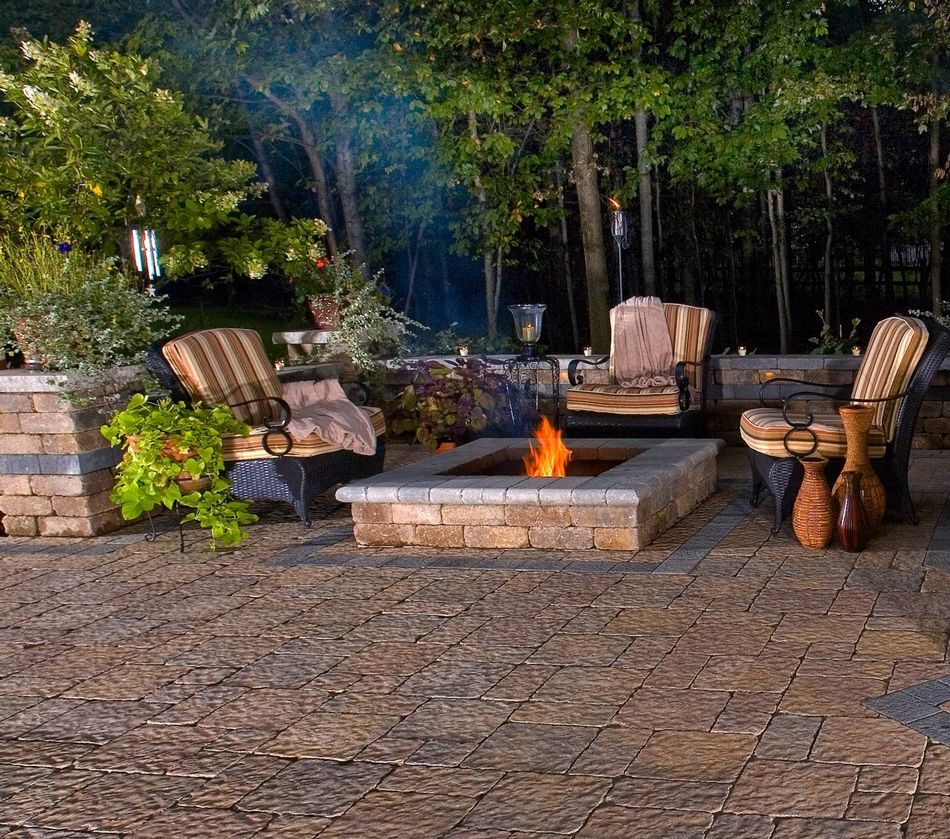 Stonehenge®, Il Campo® And Brussels Dimensional Patio And Fire Pit