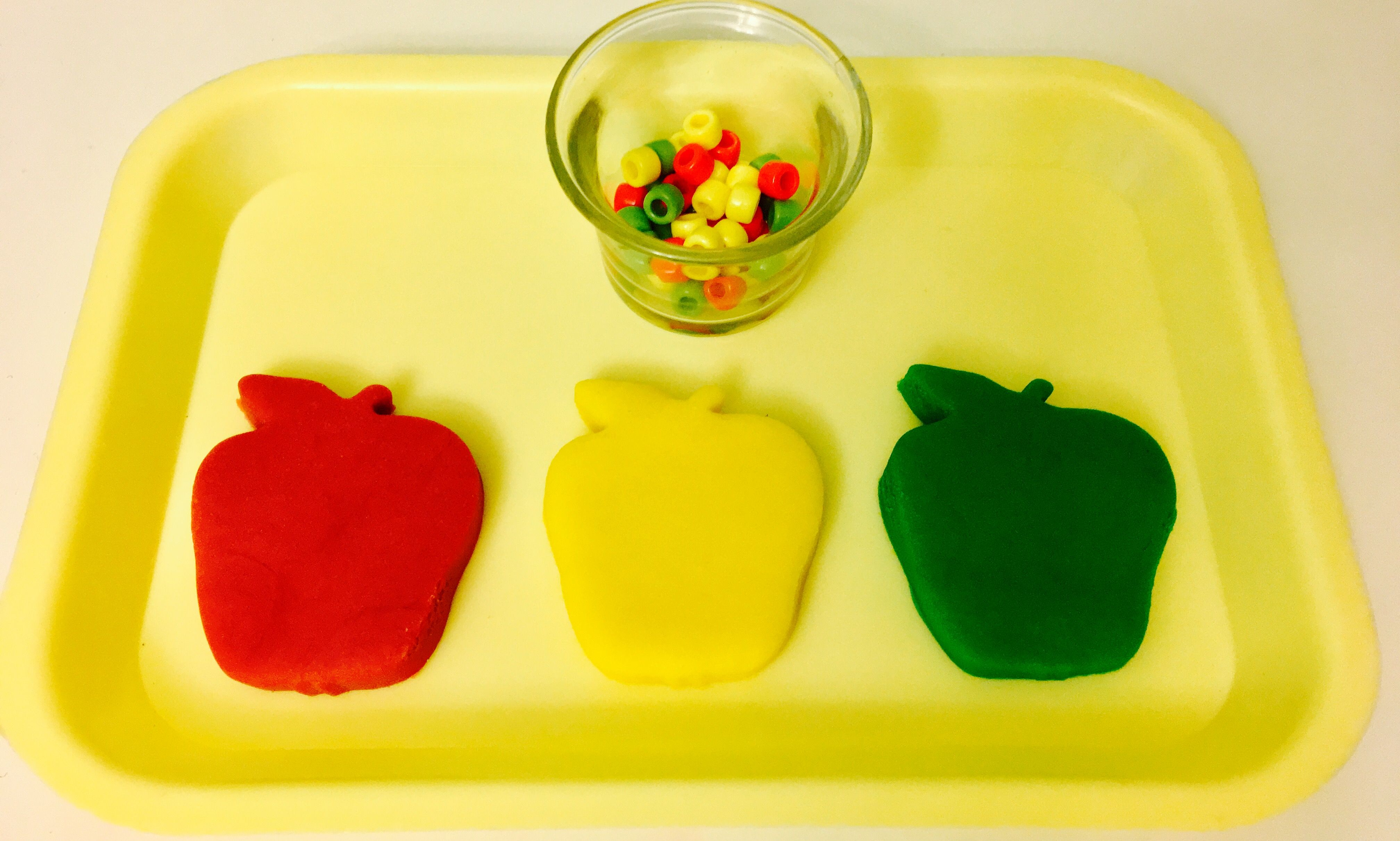 Apple Color Sorting With Beads And Play Dough