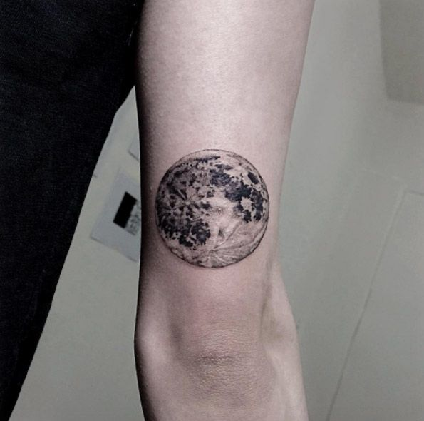 moon-tattoo.jpg 595×590 pixeles