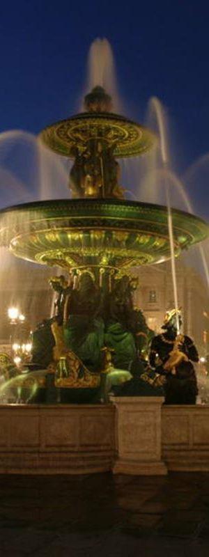 Fountain at La Concorde Plaza - Paris | France