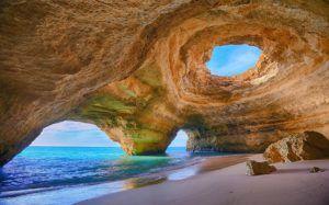 1algarve-caves-portugal