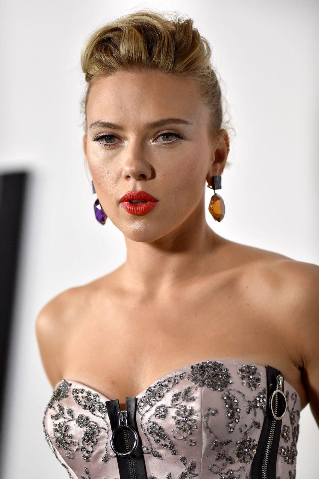 """Scarlett Johansson """"Marriage Story"""" Premiere in LA"""