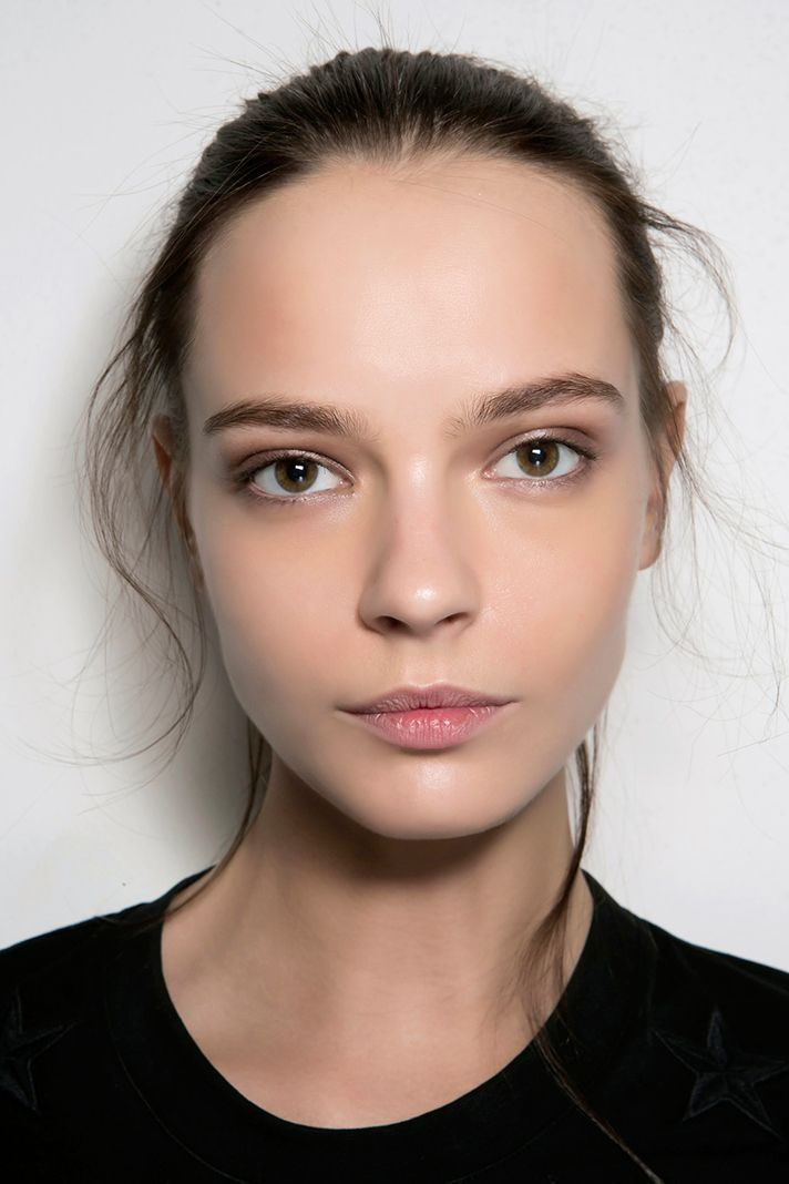 how to make my face skin tighter naturally