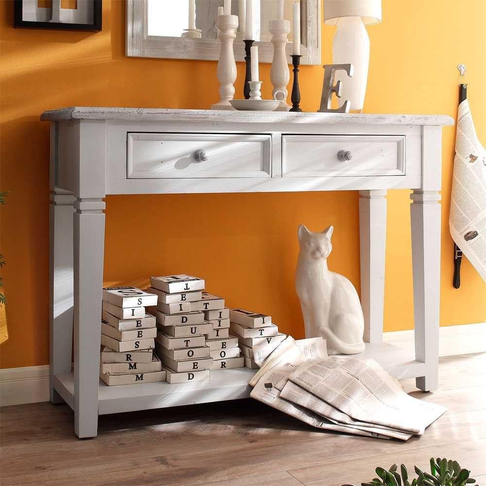 Konsole in Weiß im Vintage Design  auf Pharao24.de finden. Perfekt zu Shabby Chic Möbeln aber auch als Kontrast in modernem Ambiente ist diese Flurkonsole in Weiß Beige. Sie ist idealer Abstellplatz für Deko und bietet Stauraum in zwei Schubladen. Gestalten Sie Ihren Flur gemütlich mit dieser tollen Einrichtungsidee. Hier finden: http://www.pharao24.de/konsole-aragona-in-weiss.html#pint
