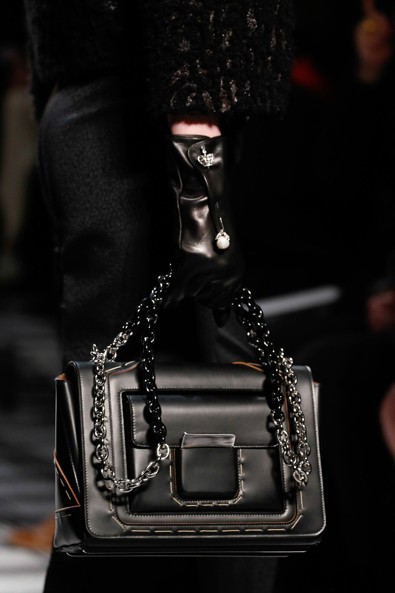 Balenciaga Fall 2015 Ready-to-Wear Fashion Show Details - Vogue