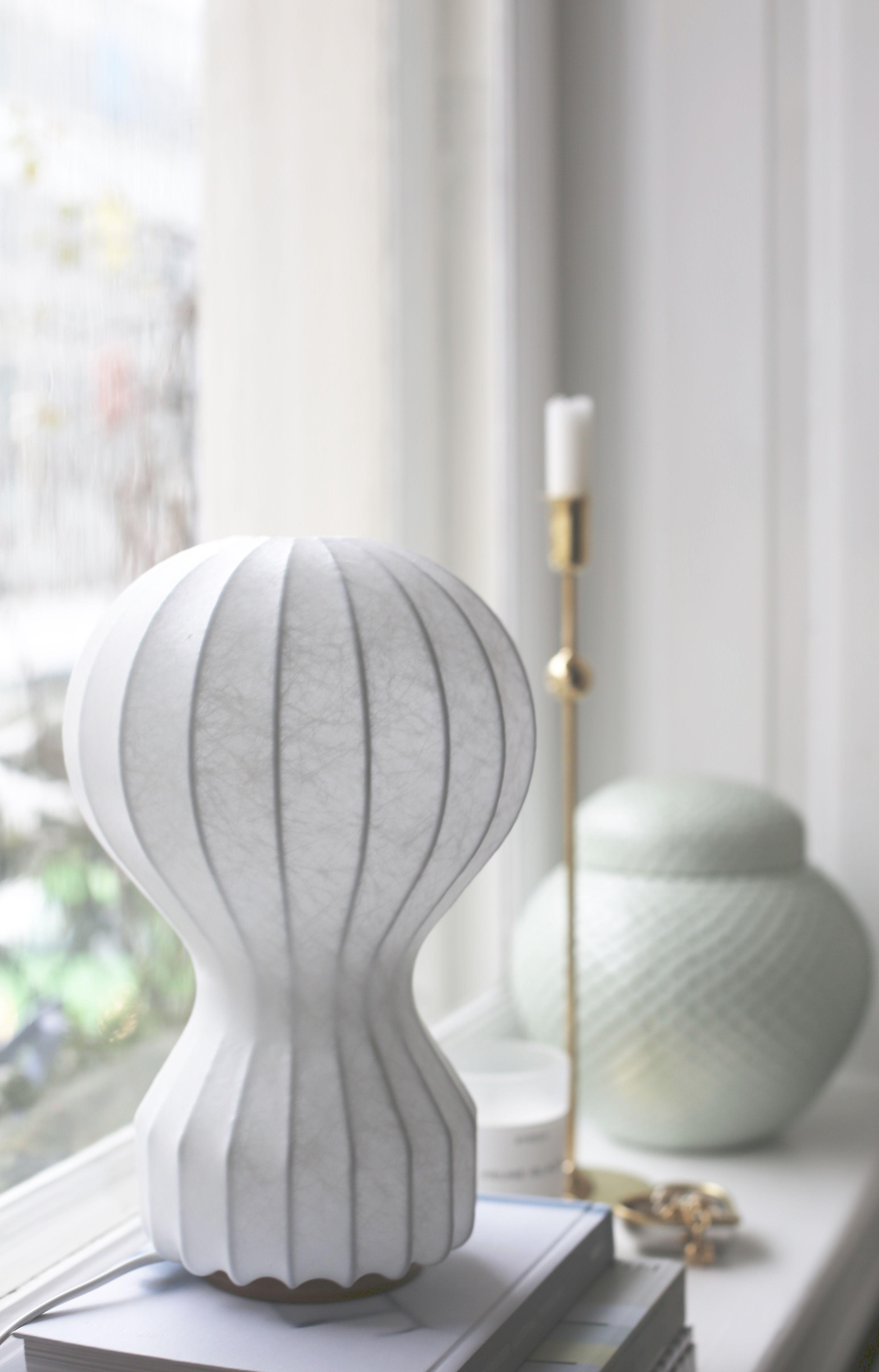 lampe poser gatto piccolo de pier giacomo achille castiglioni pour flos photo. Black Bedroom Furniture Sets. Home Design Ideas