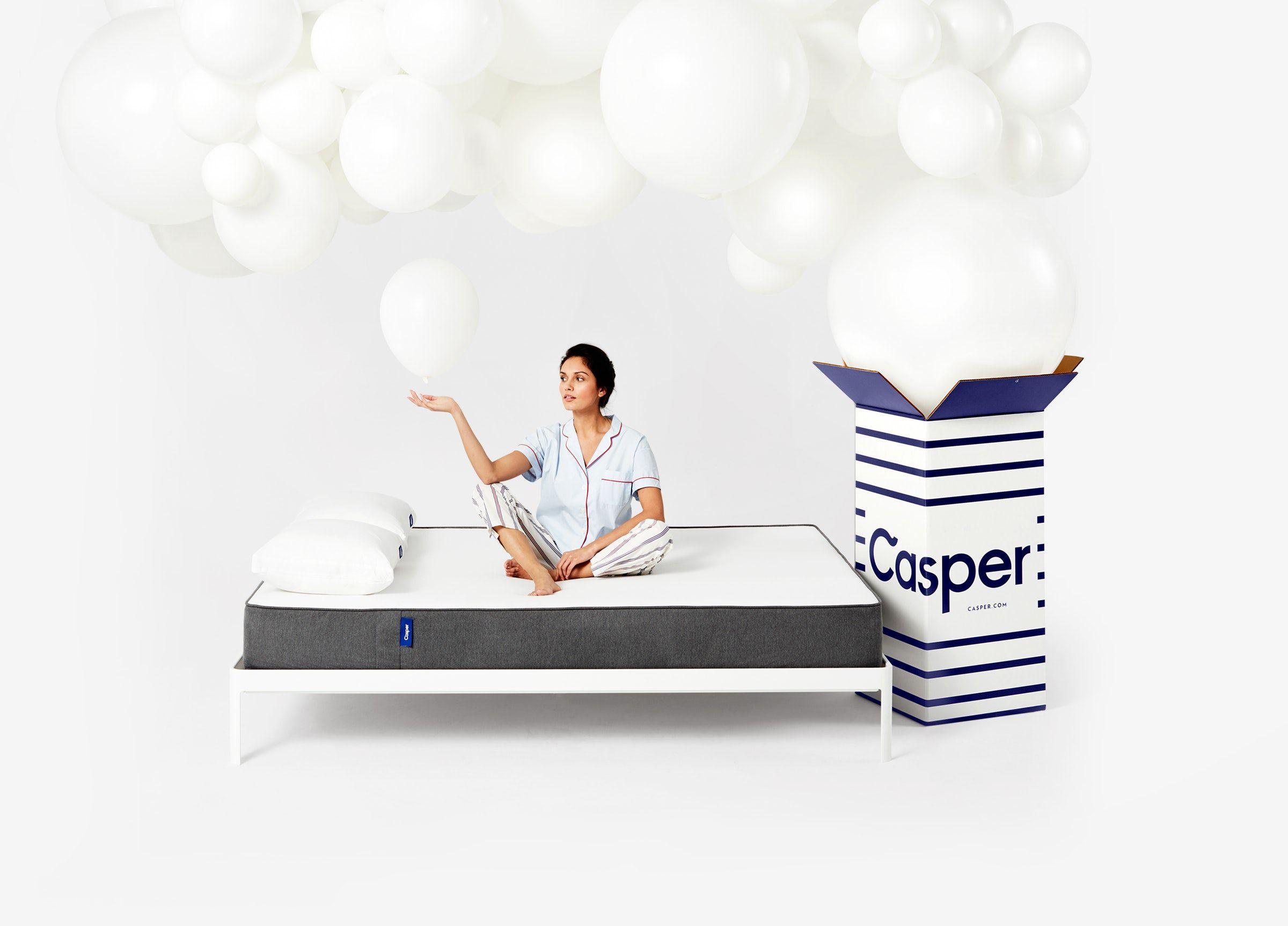 close up of the casper mattress 950 queen and foundation 250
