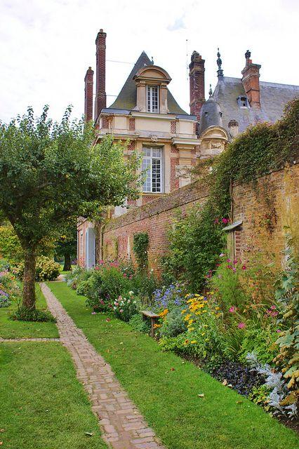 Kitchen Garden Near The Chateau Garden Design French Countryside