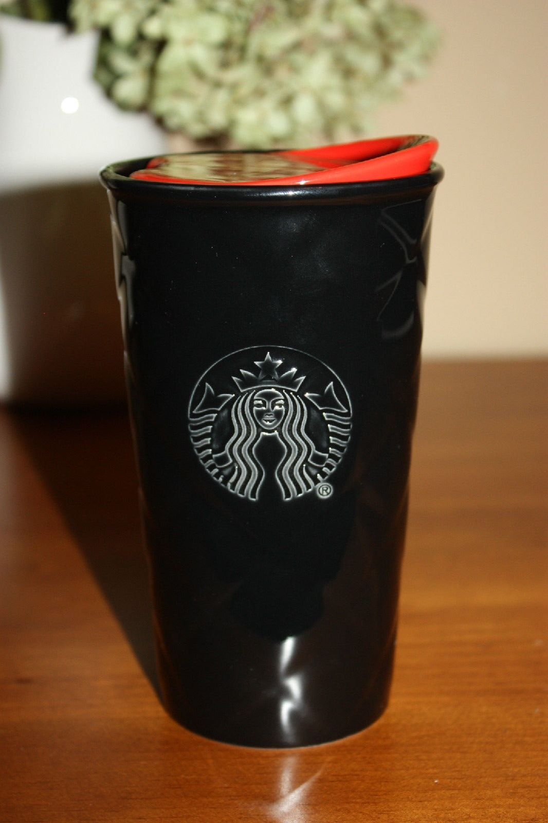 Starbucks Black Quilted Travel Mug with Red Lid 10 oz