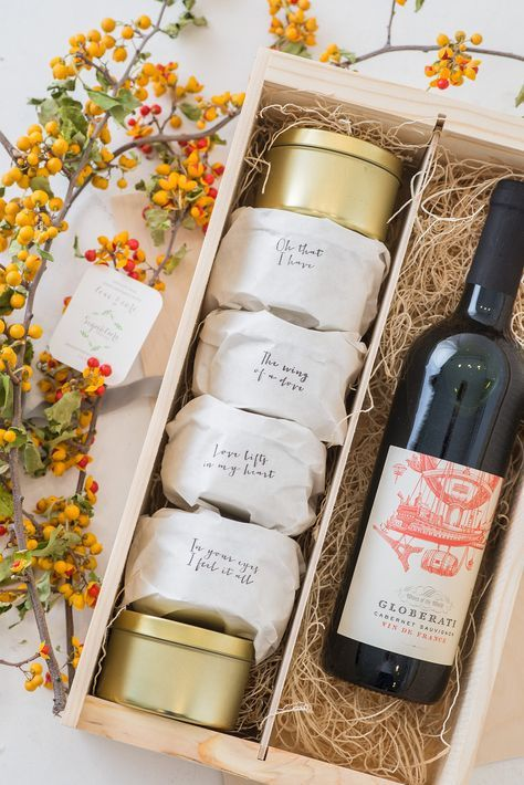 Wedding welcome gift by A Signature Welcome, photo by Lauren Jonas ...