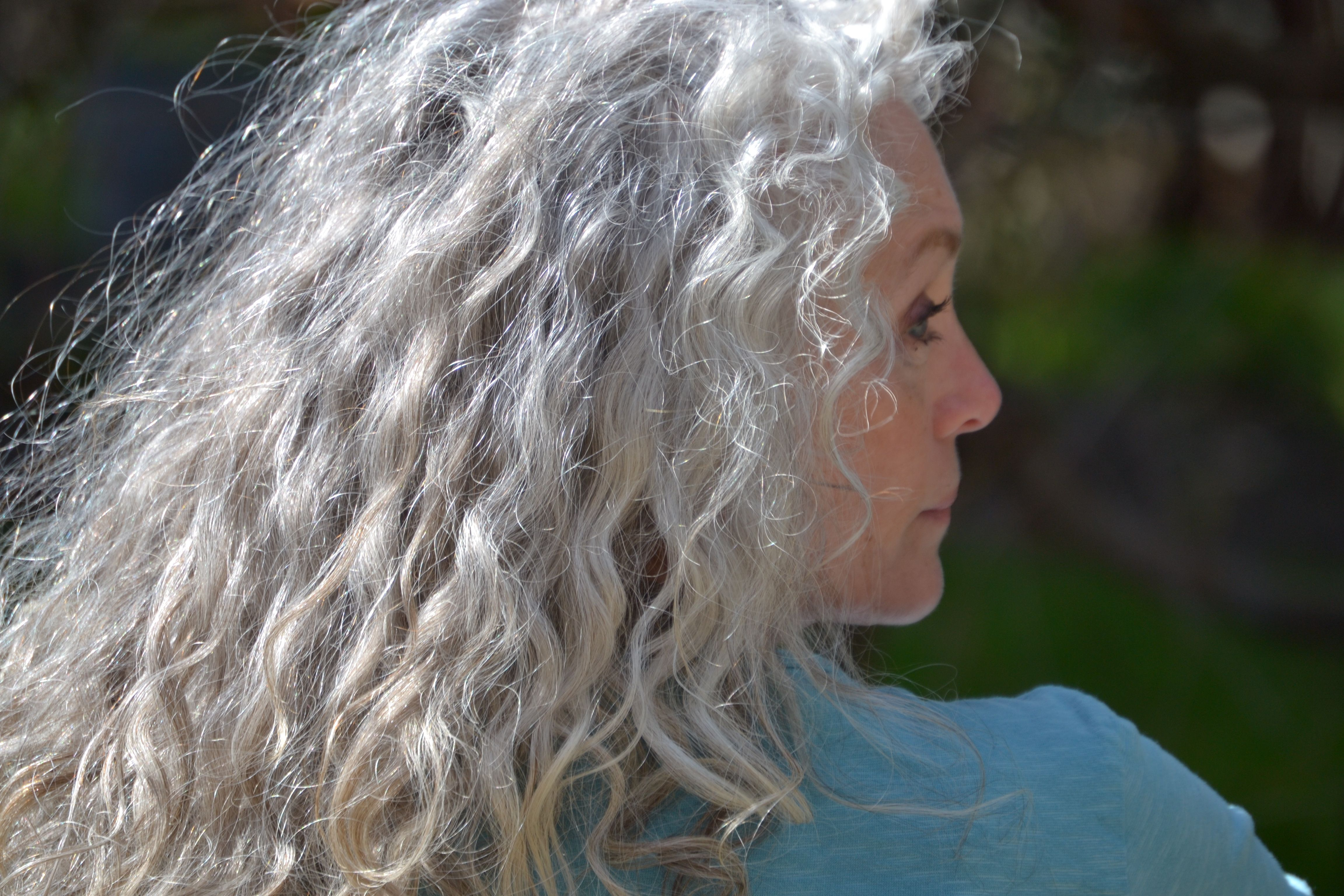 My Favorite Type Of Hair Long Naturally Curly And A Bit Untamed Silver White Hair Grey Hair Styles For Women Long Gray Hair
