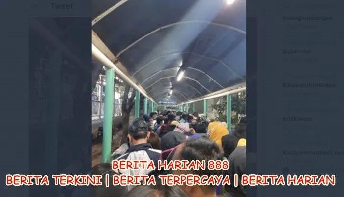 Penumpang Transjakarta Tersiksa Pinang Berita Harian 888 Di 2020 Corona Novel Publik