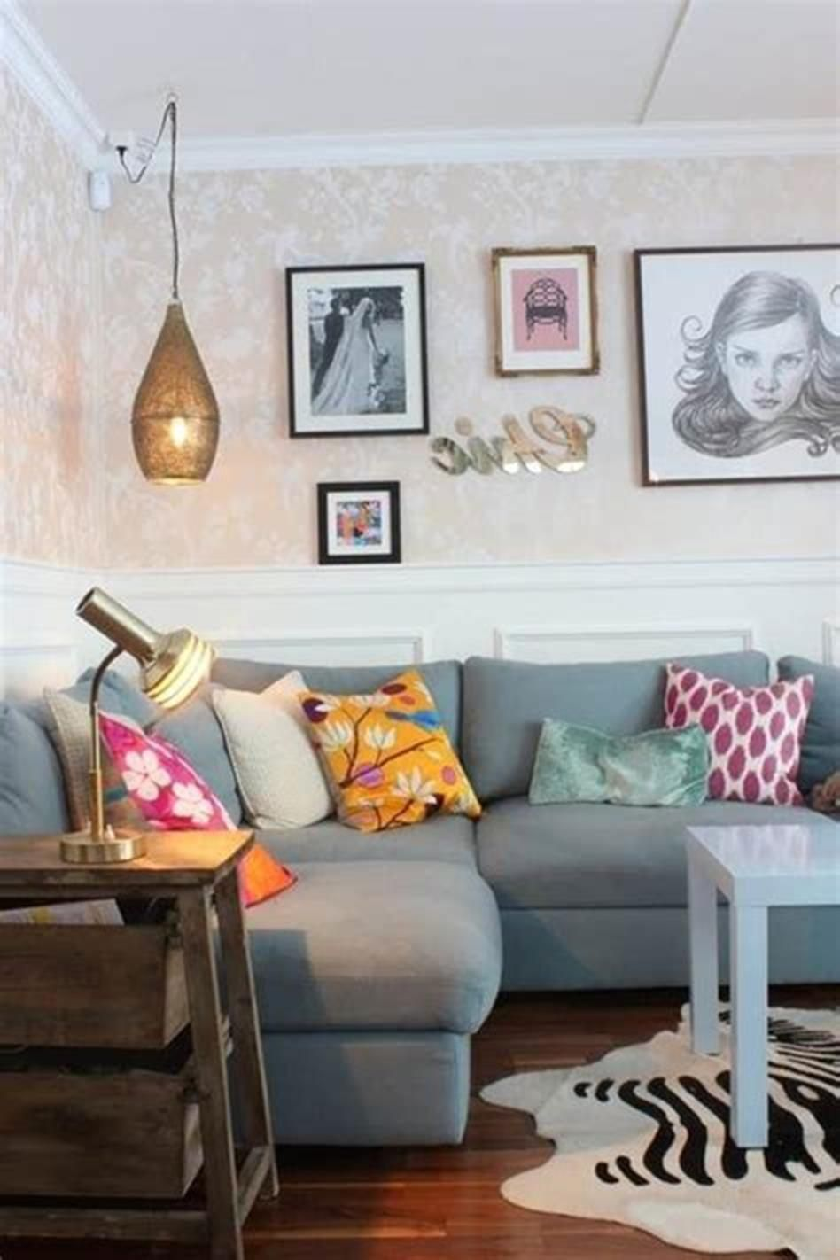 21 ways to give a new look for your living room with on cozy apartment living room decorating ideas the easy way to look at your living room id=17684