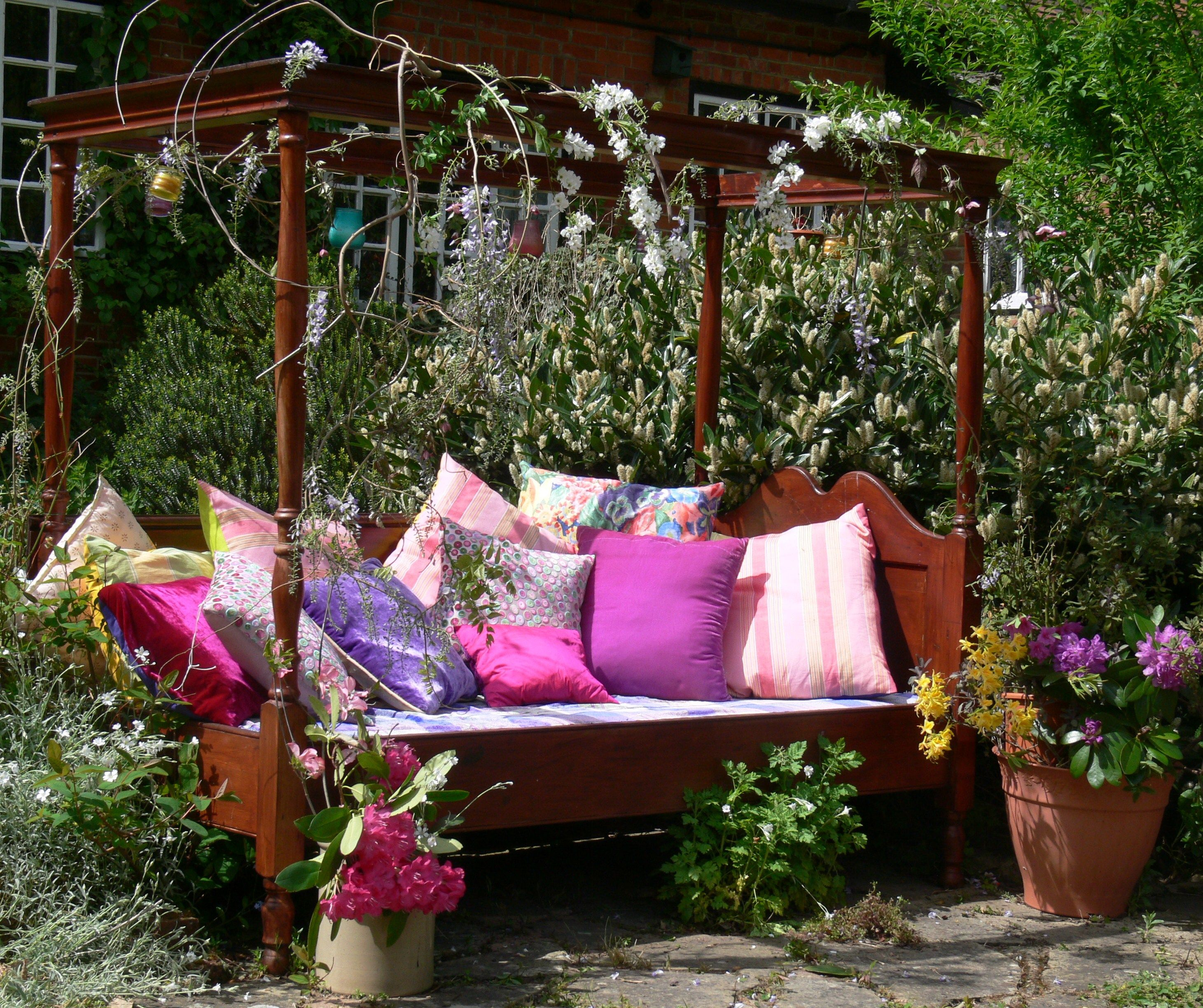 Garden Furniture Unusual making unusual garden furniture | make it and mend it - upcycling