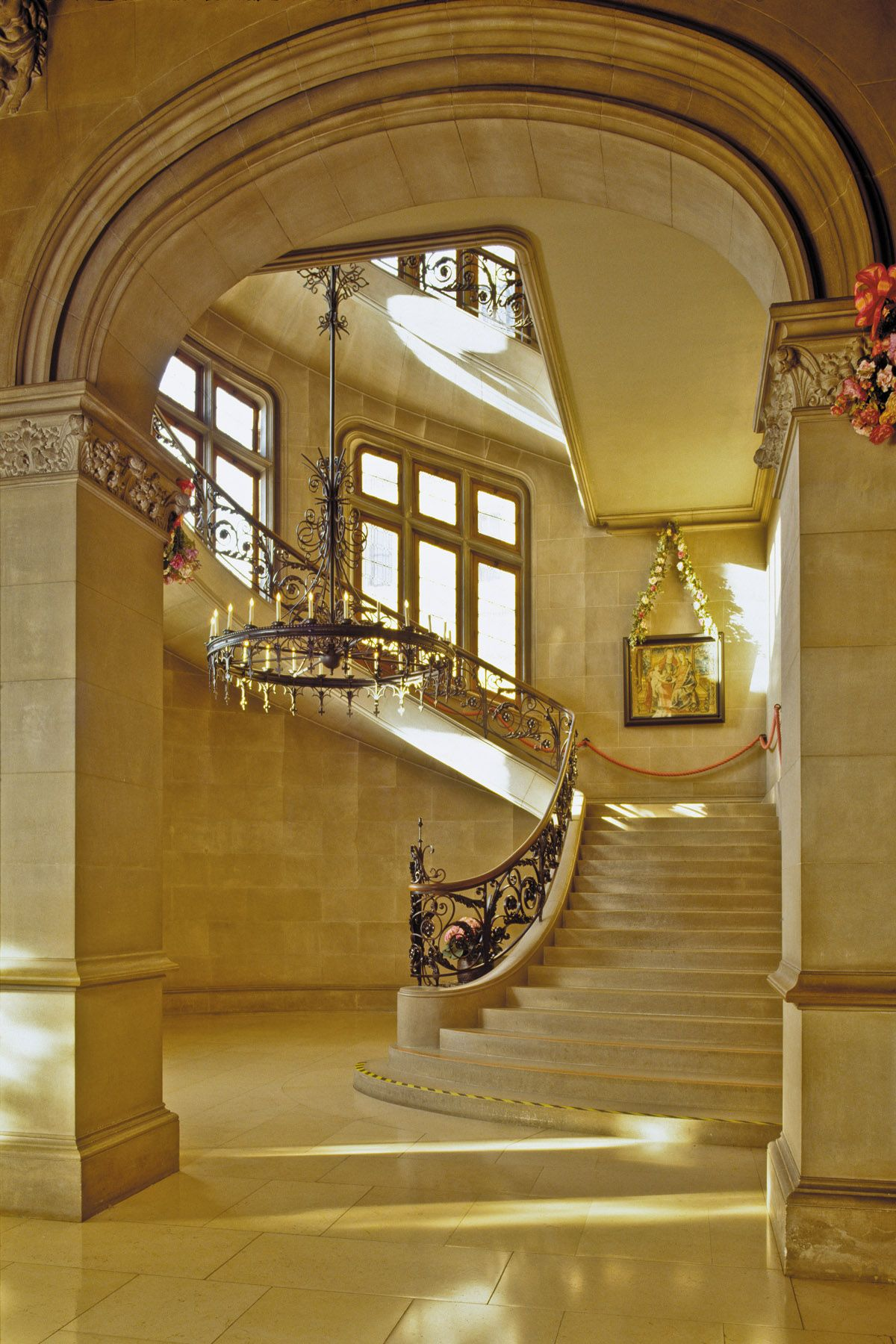 Best A Beautiful View Of The Grand Staircase Inside Biltmore 400 x 300