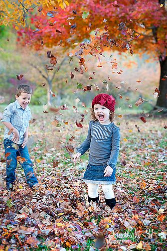 siblings photography- Would love to do this with Harmony and Hunter this fall.