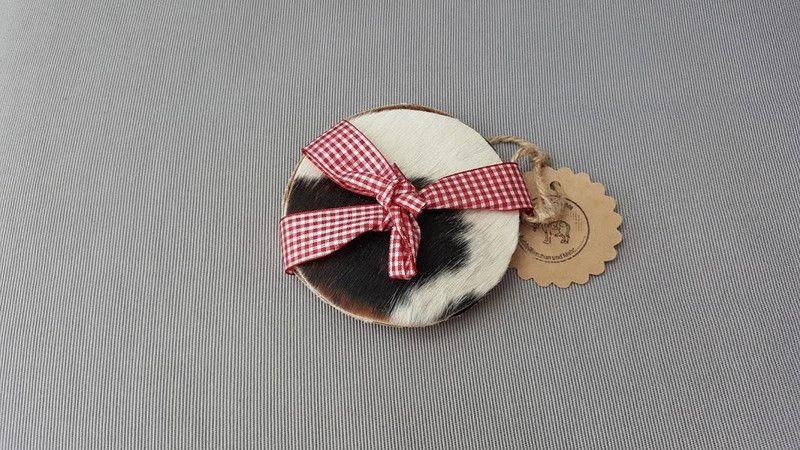 KUHIE®, Kuhfell Untersetzer 10 cm rund in braun-we von KUHIE ®:  Die Taschen mit Kuh !!! auf DaWanda.com